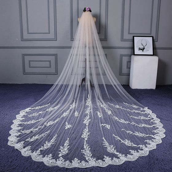 Chic / Beautiful White Cathedral Train Wedding Lace Tulle Appliques Wedding Veils 2018