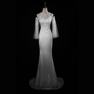 Eleganta Elfenben Bröllopsklänningar 2018 Trumpet / Sjöjungfru Spets Appliqués Axlar Halterneck 3/4 ärm Svep Tåg Bröllop