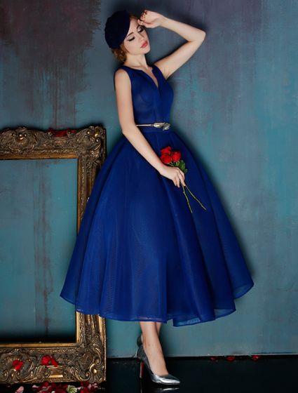 Elegant Royal Blue Homecoming Dress V-neck Tulle Graduation Dress With Metal Sash