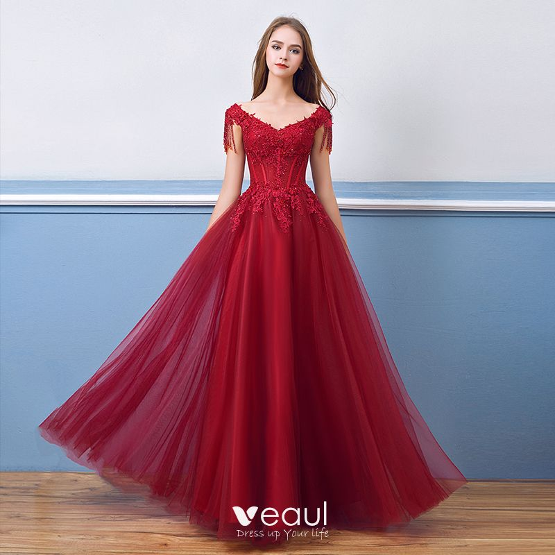 Hermoso Borgoña Vestidos De Noche 2018 A Line Princess Rebordear Crystal Tassel Con Encaje Apliques V Cuello Sin Espalda Manga Corta Largos Vestidos