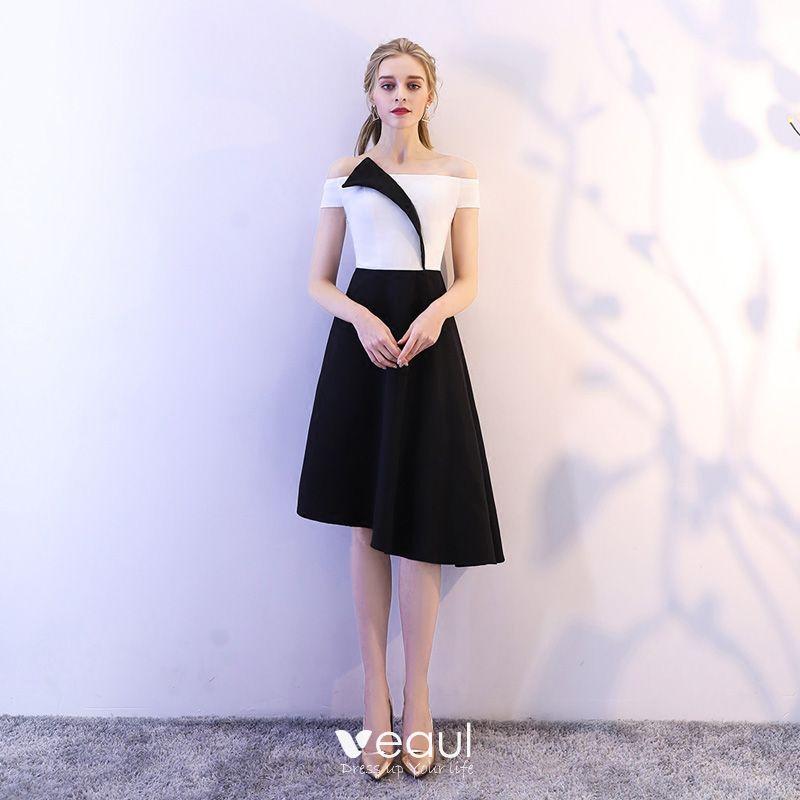 único Negro Blanco De Fiesta Vestidos De Graduación 2018 A Line Princess Fuera Del Hombro Sin Espalda Sin Mangas Por La Rodilla Vestidos Formales