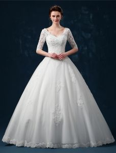 Balklänning Axlar 1/2 Ärmar V-ringad Beading Applikationer Spets Bröllopsklänning