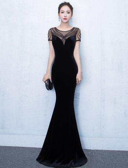 79b2e30056 Eleganckie Sukienki Wieczorowe 2017 Syrena Wycięciem Koralikami Czarnej  Sukience