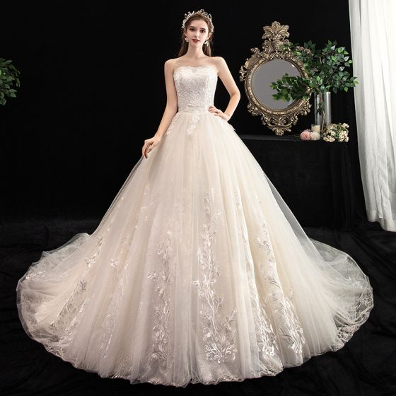 Chic Beautiful Ivory Wedding Dresses 2020 Ball Gown Sweetheart Sleeveless Backless Appliques Lace Chapel Train Ruffle