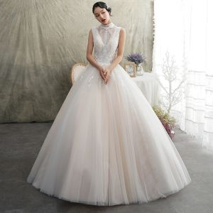 Vintage / Retro Champagne Outdoor / Garden Wedding Dresses 2019 A-Line / Princess High Neck Sleeveless Backless Appliques Lace Beading Floor-Length / Long Ruffle