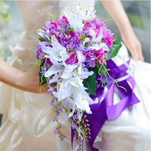 Gift Wrist Flower Silk Simulation Flower Drop-shaped Lily Hydrangea Bridal Bouquets Holding Flowers Wedding Flowers