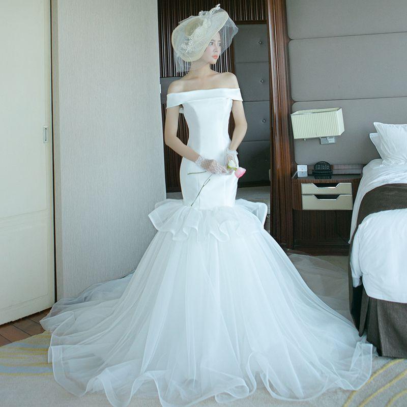 Affordable Wedding Dresses 2017 White Trumpet / Mermaid Chapel Train Off-The-Shoulder Short Sleeve Backless