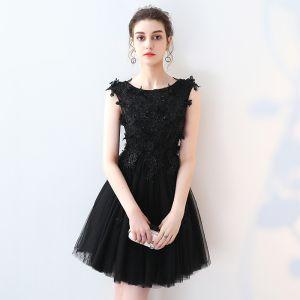 Chic / Belle Robe De Fete 2017 Noir Courte Princesse Encolure Dégagée Sans Manches En Dentelle Appliques Perle Perlage Robe De Ceremonie