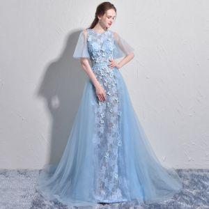 Atemberaubend Himmelblau Abendkleider 2017 A Linie Rundhalsausschnitt 1/2 Ärmel Applikationen Blumen Perle Hof-Schleppe Rückenfreies Festliche Kleider