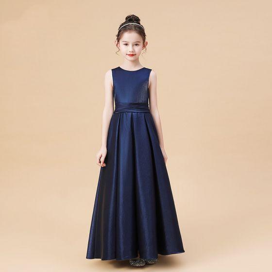 Sencillos Marino Oscuro Satén Vestidos para niñas 2020 A-Line / Princess Scoop Escote Sin Mangas Bowknot Cinturón Largos Ruffle