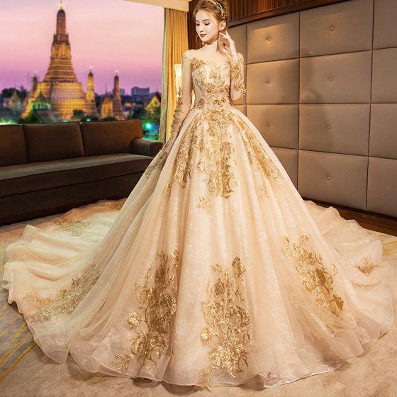 Luksusowe Złote 2019 Suknie Ślubne Princessa Wycięciem Frezowanie Kryształ Z Koronki Kwiat Cekiny Długie Rękawy Bez Pleców Trenem Królewski