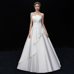 Modest / Simple Ivory Satin Wedding Dresses 2019 A-Line / Princess Amazing / Unique Strapless Sleeveless Backless Floor-Length / Long Ruffle