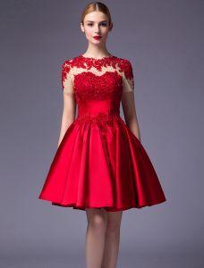 Schöne Parteikleider 2016 U-ausschnitt Spitze Rüschen Roten Satin Kurzes Kleid