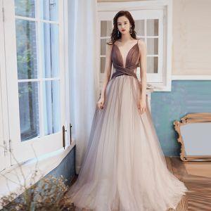 Sexy Brun Gradient-Farge Selskapskjoler 2020 Prinsesse Gjennomsiktig Dyp v-hals Uten Ermer Glitter Tyll Lange Buste Ryggløse Formelle Kjoler