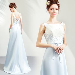 Elegant Sky Blue Satin Bridesmaid Dresses 2019 A-Line / Princess Square Neckline Sleeveless Sash Appliques Flower Beading Sweep Train Backless Wedding Party Dresses