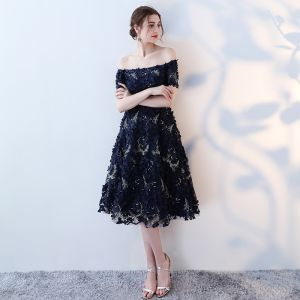 Chic / Beautiful Royal Blue Graduation Dresses 2017 Strapless Lace Appliques Backless Strappy Homecoming A-Line / Princess Party Dresses