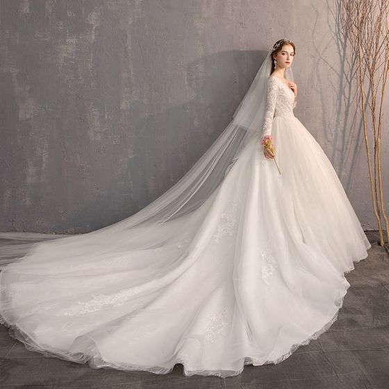Classic Elegant White Ball Gown Wedding Dresses 2019 Lace Tulle V Neck 3 4 Sleeve Appliques Backless Embroidered Cathedral Train Church Wedding