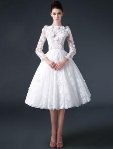 2015 A-line Fyrkantig Ringning 3/4 Ärmar Spets Och Blommor Kort Bröllopsklänning