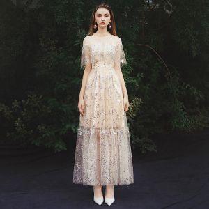 Erschwinglich Champagner Sommer Durchsichtige Abendkleider 2019 A Linie Stehkragen Ärmellos Glanz Tülle Lange Rüschen Festliche Kleider