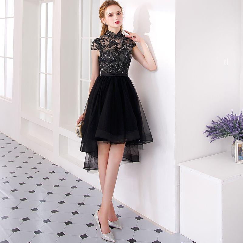 Charmant Noire Asymétrique Robe De Cocktail 2019 Princesse Col Haut En Dentelle Fleur Faux Diamant Noeud Mancherons Robe De Ceremonie