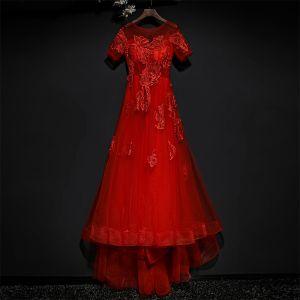Schöne Rot Festliche Kleider Abendkleider 2017 Spitze Blumen Pailletten Rundhalsausschnitt Kurze Ärmel Sweep / Pinsel Zug A Linie