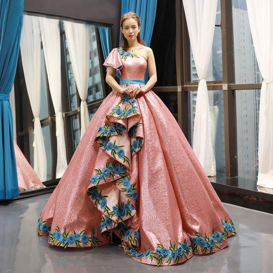 Brillante Perla Rosada Lentejuelas Bailando Vestidos de gala 2020 Ball Gown Un Hombro Manga Corta Apliques Bordado Flor Largos Ruffle Sin Espalda Vestidos Formales