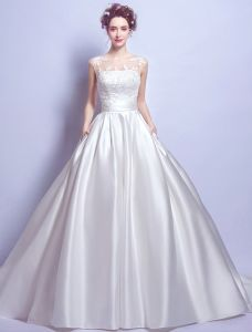 Schöne Hochzeitskleider 2017 Schaufel Ausschnitt Ärmellose Rüsche Weiße Satin Brautkleider Mit Taschen