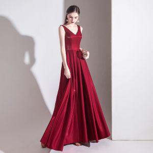 Elegant Burgundy Evening Dresses  2020 A-Line / Princess Satin V-Neck Sleeveless Backless Bow Floor-Length / Long Formal Dresses