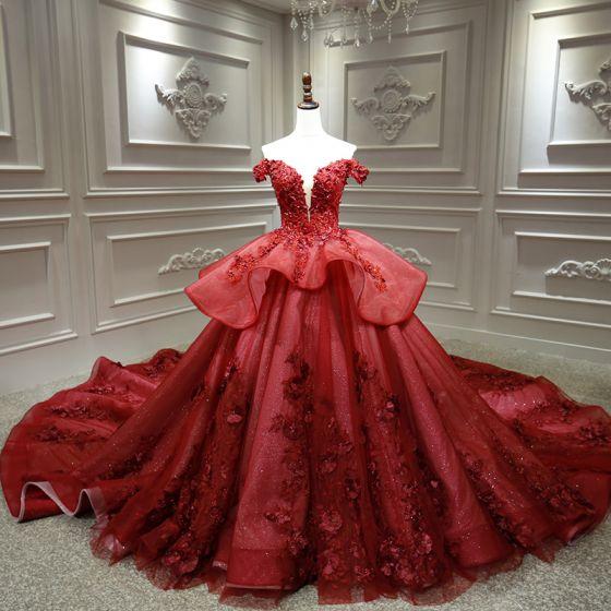 Magnífico Borgoña Boda Vestidos De Novia 2020 Ball Gown Fuera Del Hombro V-cuello Profundo Manga Corta Sin Espalda Apliques Con Encaje Rebordear Cathedral Train Ruffle