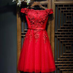 Schöne Rot Festliche Kleider Abendkleider 2017 Spitze Künstliche Blumen Blumen Perle Kurze Ärmel Kurze A Linie
