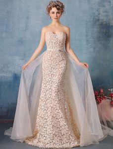 Glamourösen Abendkleider 2016 Trägerlose Champagner Spitze Abendkleid Mit Organza-tailing