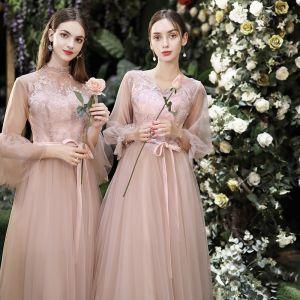 Niedrogie Różowy Perłowy Sukienki Dla Druhen 2020 Princessa Bez Pleców Aplikacje Z Koronki Szarfa Długość Herbaty Wzburzyć