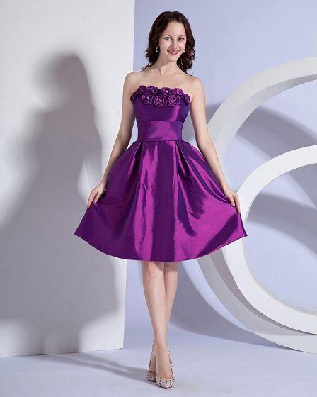 Stylish Ruffles Strapless Knee Length Taffeta Applique Bridesmaid Dresses