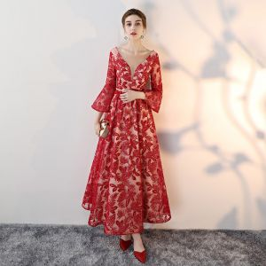Amazing / Unique Red Evening Dresses  2017 A-Line / Princess Lace V-Neck Sequins Appliques Backless Evening Party Formal Dresses