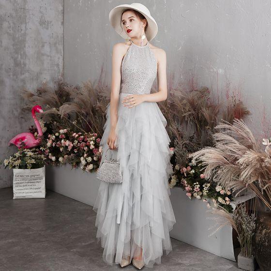 Elegancka Szary Sukienki Wieczorowe 2019 Princessa Posiadacz Bez Rękawów Cekiny Długie Kaskadowe Falbany Bez Pleców Sukienki Wizytowe