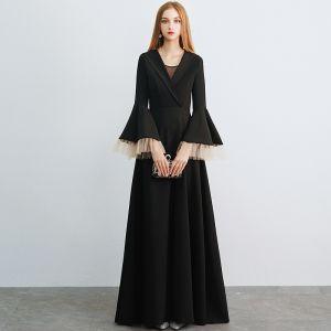 Unique Schwarz Abendkleider 2019 A Linie V-Ausschnitt Glockenhülsen Lange Rüschen Festliche Kleider