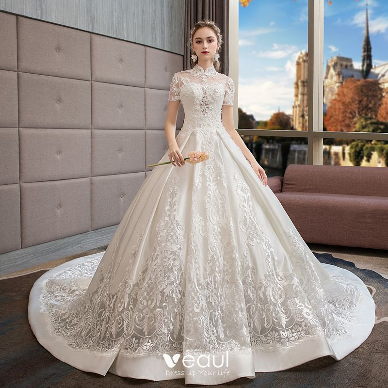 Stunning Ivory Wedding Dresses 2019 Ball Gown High Neck