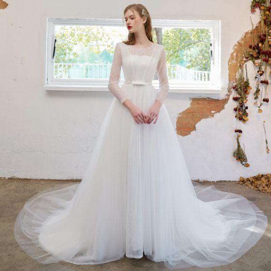 Enkla Elfenben Bröllopsklänningar 2021 Prinsessa Urringning Rosett Spets Blomma Långärmad Domstol Tåg Bröllop
