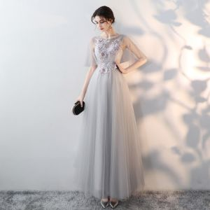 Elegant Grey Evening Dresses  2018 Empire Scoop Neck 1/2 Sleeves See-through Appliques Flower Rhinestone Floor-Length / Long Ruffle Formal Dresses
