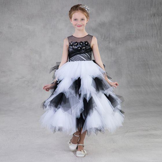 Vestido negro con blanco para ninas