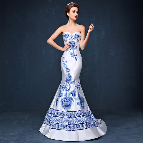 27384d018133 Modern / Fashion Chinese style White Court Train Evening Dresses 2018  Trumpet / Mermaid Charmeuse Appliques Beading Embroidered ...