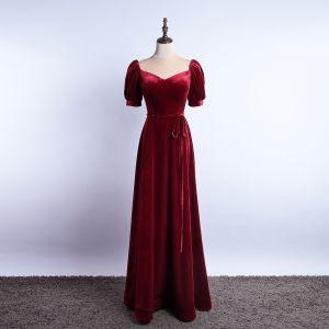 Enkla Burgundy Mocka Aftonklänningar 2020 Prinsessa Fyrkantig Ringning Korta ärm Halterneck Långa Formella Klänningar