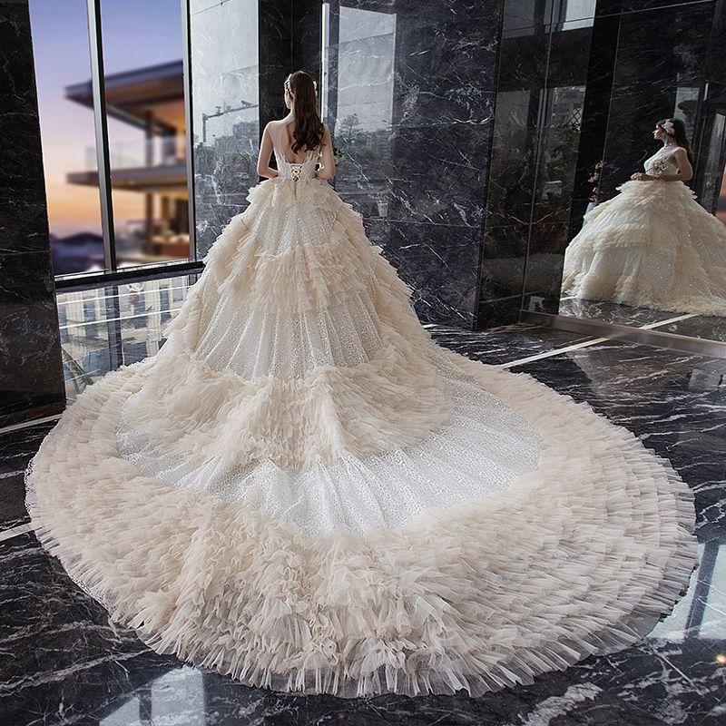 Fabelhaft Champagner Glanz Spitze Brautkleider / Hochzeitskleider 2019 Ballkleid Durchsichtige Stehkragen Ärmellos Rückenfreies Perlenstickerei Kathedrale Schleppe Rüschen