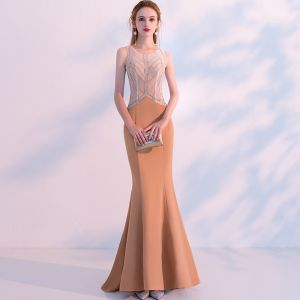 Mode Orange Durchsichtige Abendkleider 2018 Meerjungfrau Rundhalsausschnitt Ärmellos Perlenstickerei Sweep / Pinsel Zug Rüschen Rückenfreies Festliche Kleider