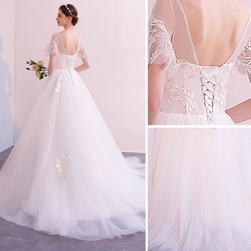 Affordable White Wedding Dresses 2018 A-Line / Princess Lace Flower Scoop Neck Backless Short Sleeve Chapel Train Wedding