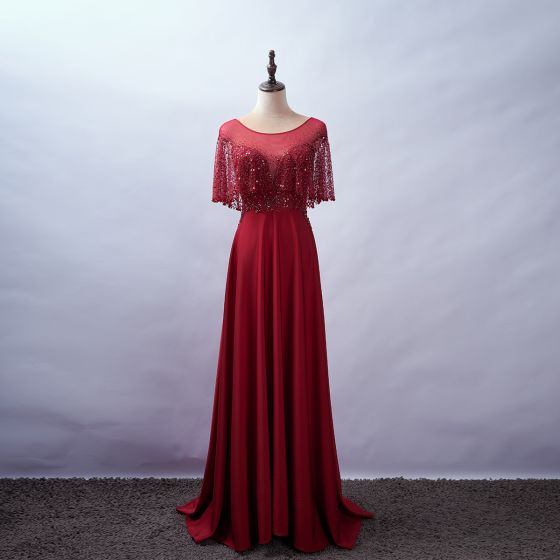 Eleganta Burgundy Aftonklänningar 2020 Prinsessa Urringning Beading Rhinestone Paljetter Spets Blomma Korta ärm Halterneck Svep Tåg Formella Klänningar