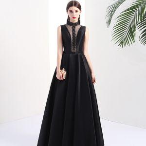 Mode Schwarz Durchbohrt Abendkleider 2017 A Linie Stehkragen Ärmellos Perlenstickerei Perle Lange Rückenfreies Festliche Kleider