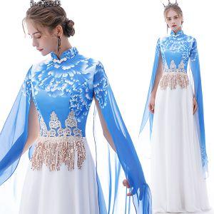 Chinesischer Stil Blau Chiffon Abendkleider 2020 A Linie Stehkragen Kurze Ärmel Drucken Blumen Applikationen Spitze Pailletten Quaste Lange Rüschen Festliche Kleider