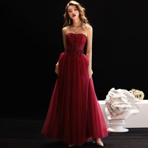 Elegant Burgundy Evening Dresses  2019 A-Line / Princess Sweetheart Sleeveless Appliques Flower Beading Floor-Length / Long Ruffle Backless Formal Dresses