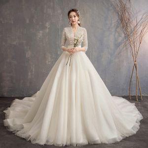 Kinesisk Stil Elfenben Bröllopsklänningar 2019 Prinsessa V-Hals 3/4 ärm Handgjort Beading Glittriga / Glitter Tyll Cathedral Train Ruffle
